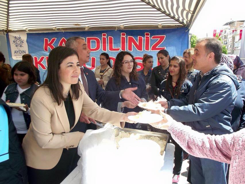 Aydın Büyükşehir Belediyesi in Regaip Kandili için düzenlediği hayra kat